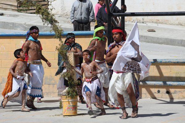 [GALERÍA] Asi se viven el Viernes Santo los Tarahumaras