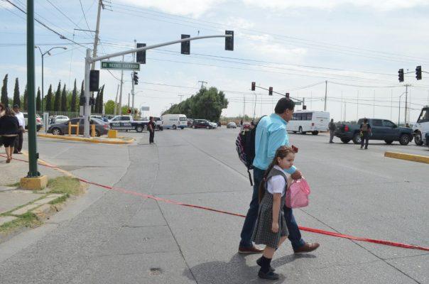 [VIDEO] Ejecutan a sujeto frente a alumnos de colegio