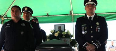 Despiden con honores a policía estatal fallecido en Madera