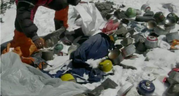 Calentamiento global revela la montaña de basura que es el Everest