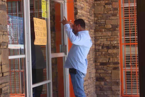 Crisis en Ahumada; cortan luz a alcaldía y empleados hacen paro