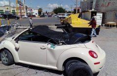 [GALERÍA] Retiran auto destrozado por espectacular