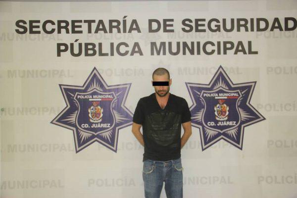 Arrestan a sujeto con drogas y un arma