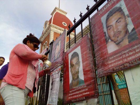 Familiares de desaparecidos se manifiestan en el MUREF