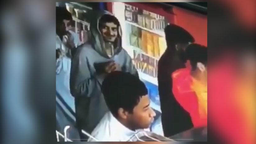 En Video | Ladrón es grabado cuando roba una cartera y su reacción no tiene precio
