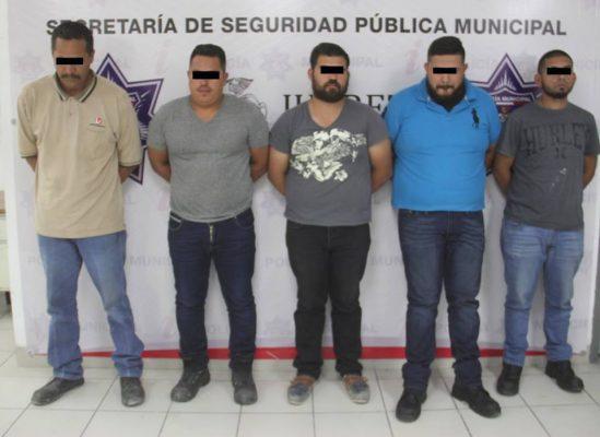 Arrestan a 5 por robar material de empresa maquiladora