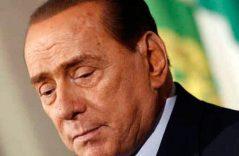 El estrés le cobra factura  a Berlusconi