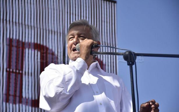 "De ser presidente, AMLO revocará decreto sobre agua ""aprobado en lo oscurito"""