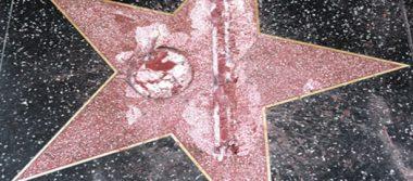 Tres años de libertad condicional a quien dañó la estrella en Hollywood de Trump