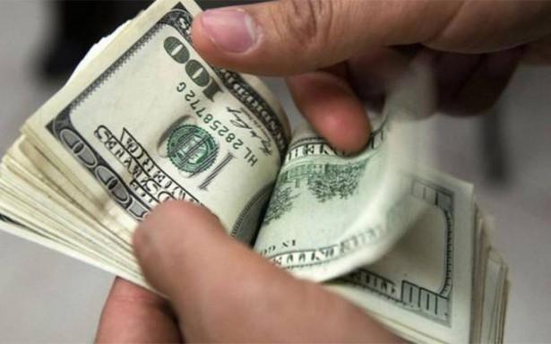 Se vende dólar en 18.80 pesos en promedio en la terminal aérea