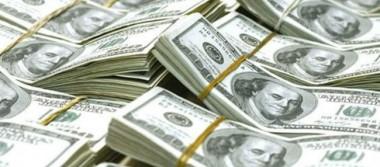 Dólar cede y se vende hasta en 18.01 pesos en bancos de la Ciudad de México