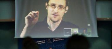 Rusia prolonga dos años el permiso de residencia de Snowden