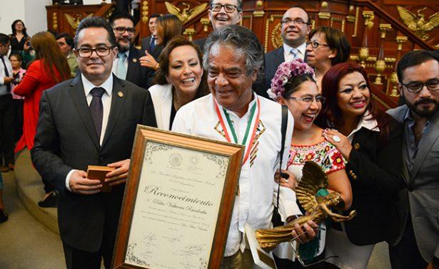 Pedro Valtierra dedica premio a periodistas asesinados en México