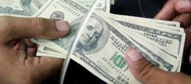 Venden dólar en 17.51 pesos en promedio en aeropuerto capitalino
