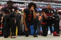 Equipos de NFL serán multados si sus jugadores se arrodillan durante el himno
