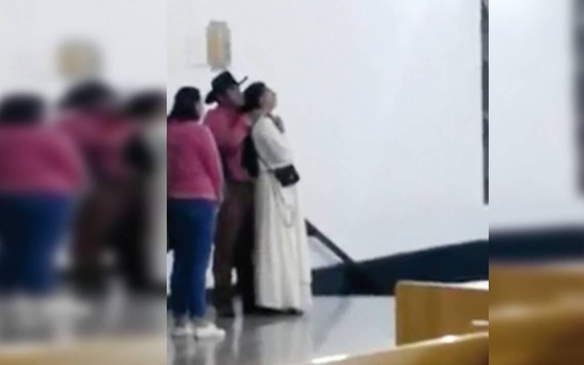 [Video] Hombre toma a monja como rehén y sacerdote lo salva de ser linchado