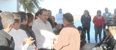 Entregó Carlos Mendoza Davis 3 Mdp en obras y apoyos, en Loreto