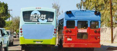 Piden dueños de peseras y camiones aumento a $15.00 en su tarifa