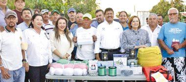 Reciben 139 pescadores apoyos del Ayuntamiento de La Paz