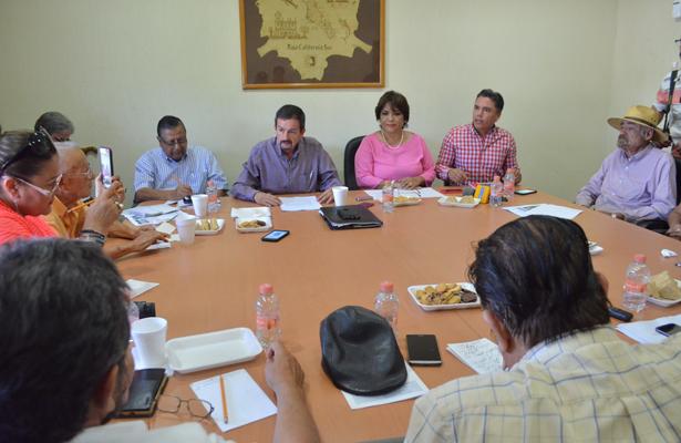 Diputados del PRI y del PT trabajan de manera conjunta con periodistas para consolidar una Ley para la Protección a Personas Defensoras de Derechos Humanos y a Periodistas para la entidad. / El Sudcaliforniano