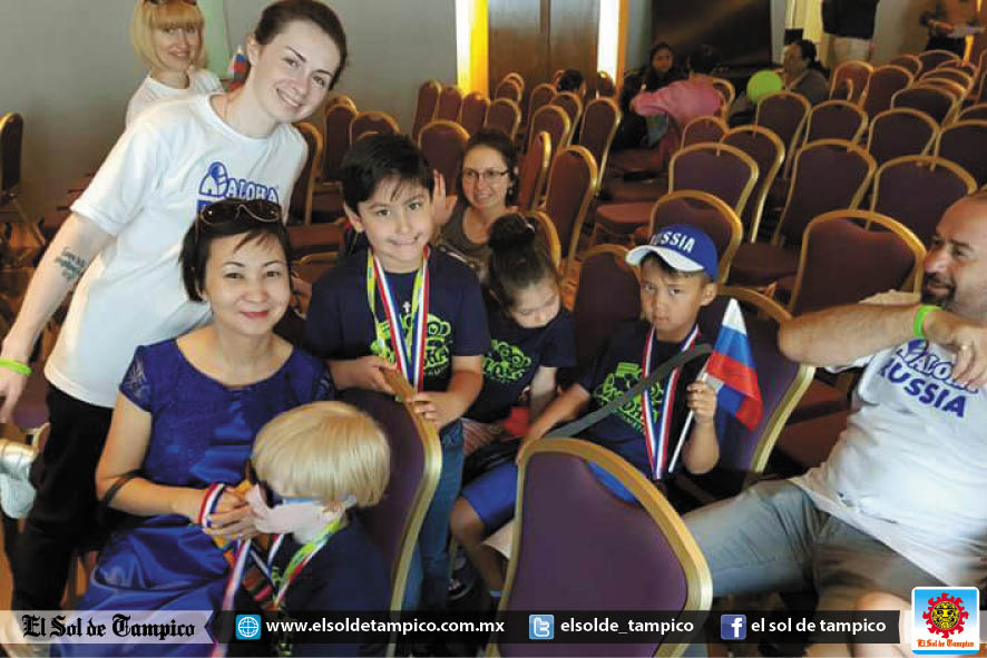 Niño de 6 años representa a México en Asia en concurso de cálculo