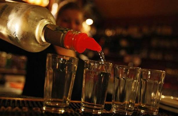 Negocios con venta de alcohol en La Paz, podrían perder licencia