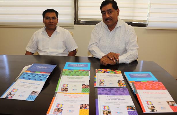 El titular de la SEP, Héctor Jiménez Márquez, presentó los acervos bibliográficos editados por el sistema educativo sudcaliforniano para la atención de más de mil 387 niños, niñas y adolescentes migrantes.
