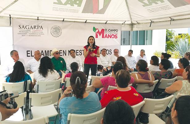 Entrega subsecretaria de Sagarpa 850 paquetes de huertos familiares