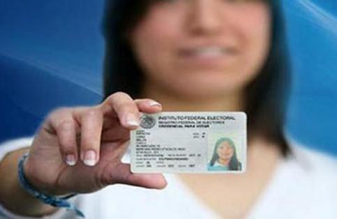 Funcionarios del INE dejan plantados a ciudadanos loretanos