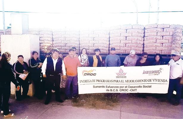 Entrega CROC 32 toneladas de cemento en Comondú