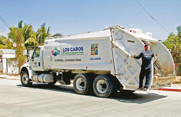 En Los Cabos, recolección de basura es un trabajo arduo