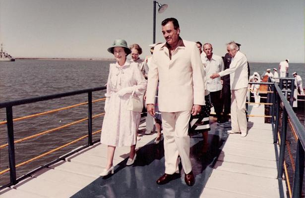 Hace 35 años visitó La Paz la Reina Isabel II