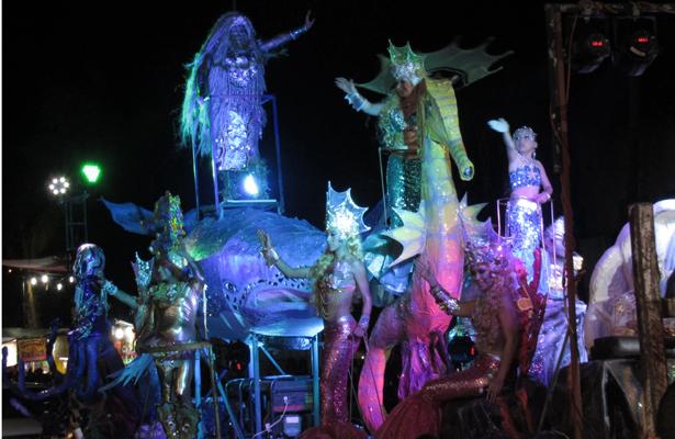 De encanto y fantasía el primer desfile del Carnaval La Paz