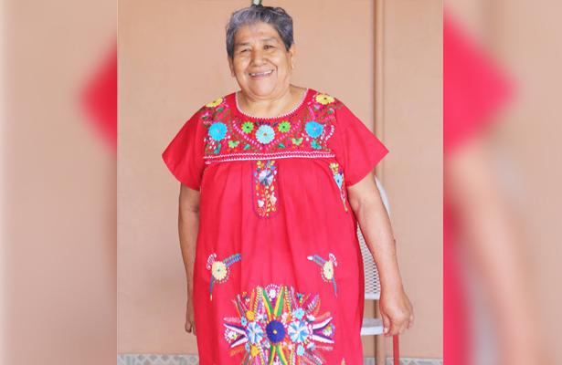 """""""Doña Tina"""" curandera del Valle de Santo Domingo"""