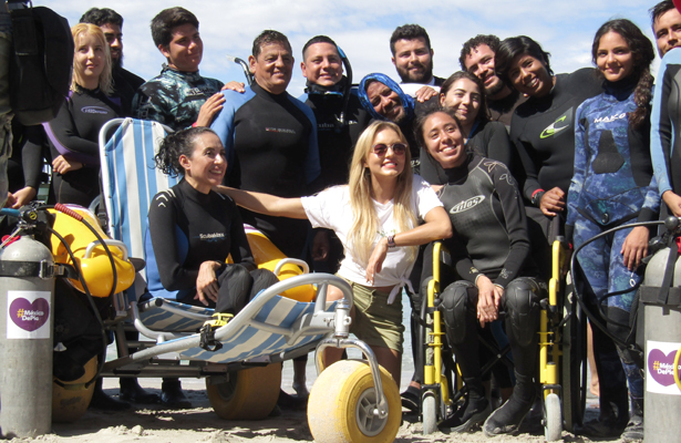 "[Video] Angelique Boyer, amable embajadora del ""Buceo Incluyente"""