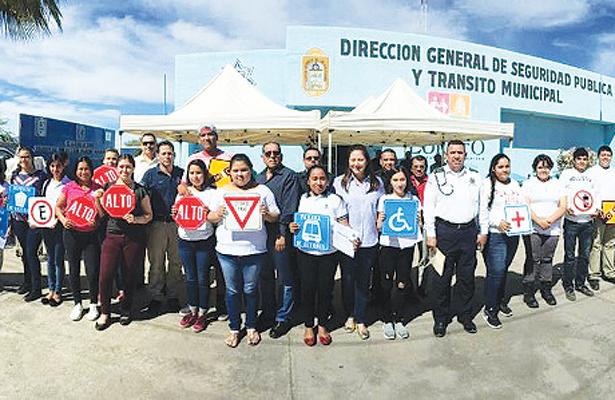 Capacitan a jóvenes en seguridad vial en Loreto