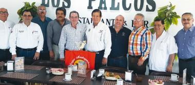 Alcalde comundeño se reunió con integrantes del grupo madrugadores