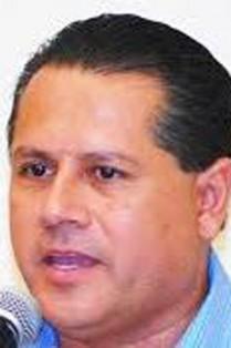 Víctor E. Ibarra Montoya.
