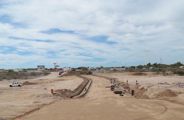 Cierre de vialidad por construcción en vado de La Paz