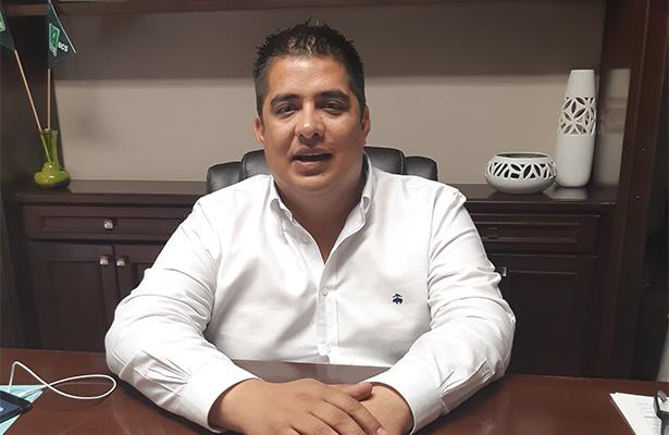 No cerramos las puertas a las mujeres: Alejandro Tirado