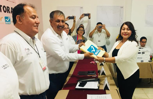 Martha Aidé García presentó su registro para la alcaldía