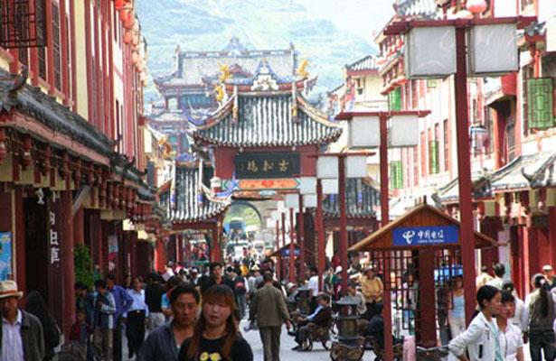 Hoteleros de La Paz van por mercado chino de turistas