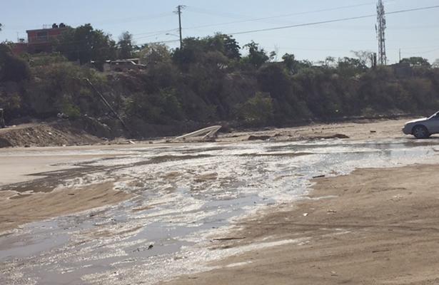 ¡No llovió en la sierra! es derrame de aguas pestilentes: denuncian familias