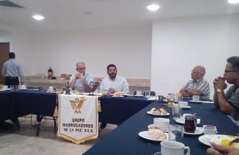 En la mesa del grupo Madrugadores  se habló sobre el gran reto que tiene La Paz, en materia de agua potable.( José Luis Villafuerte) / El Sudcaliforniano