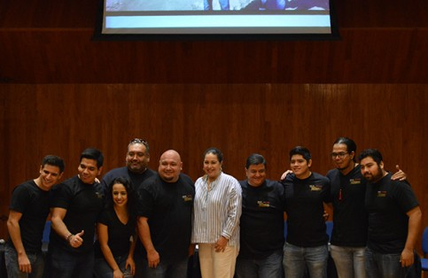 Proyecto Insomonio, Gabriela Velázquez de Mendoza, Grammy, famosos, bcs