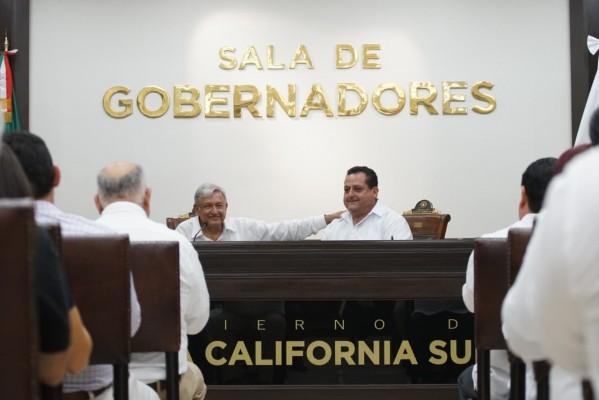 Se reúnen Carlos Mendoza y AMLO