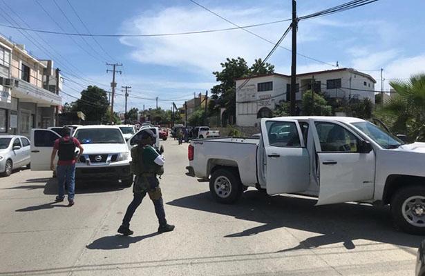 [Video] En enfrentamiento, la Policía Ministerial asegura dos personas y cuatro armas de fuego