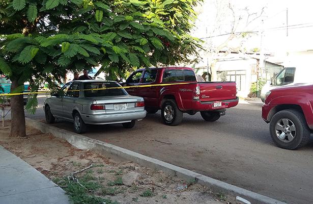 Abandonan automóvil robado en La Paz