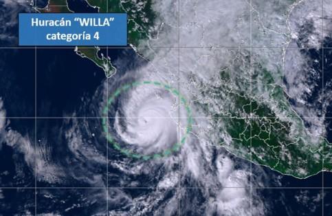 Huracán Willa baja a categoría IV