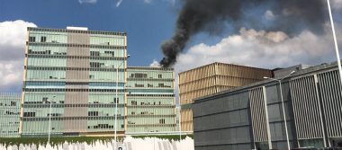 Evacuan Ciudad Judicial por incendio de paneles solares